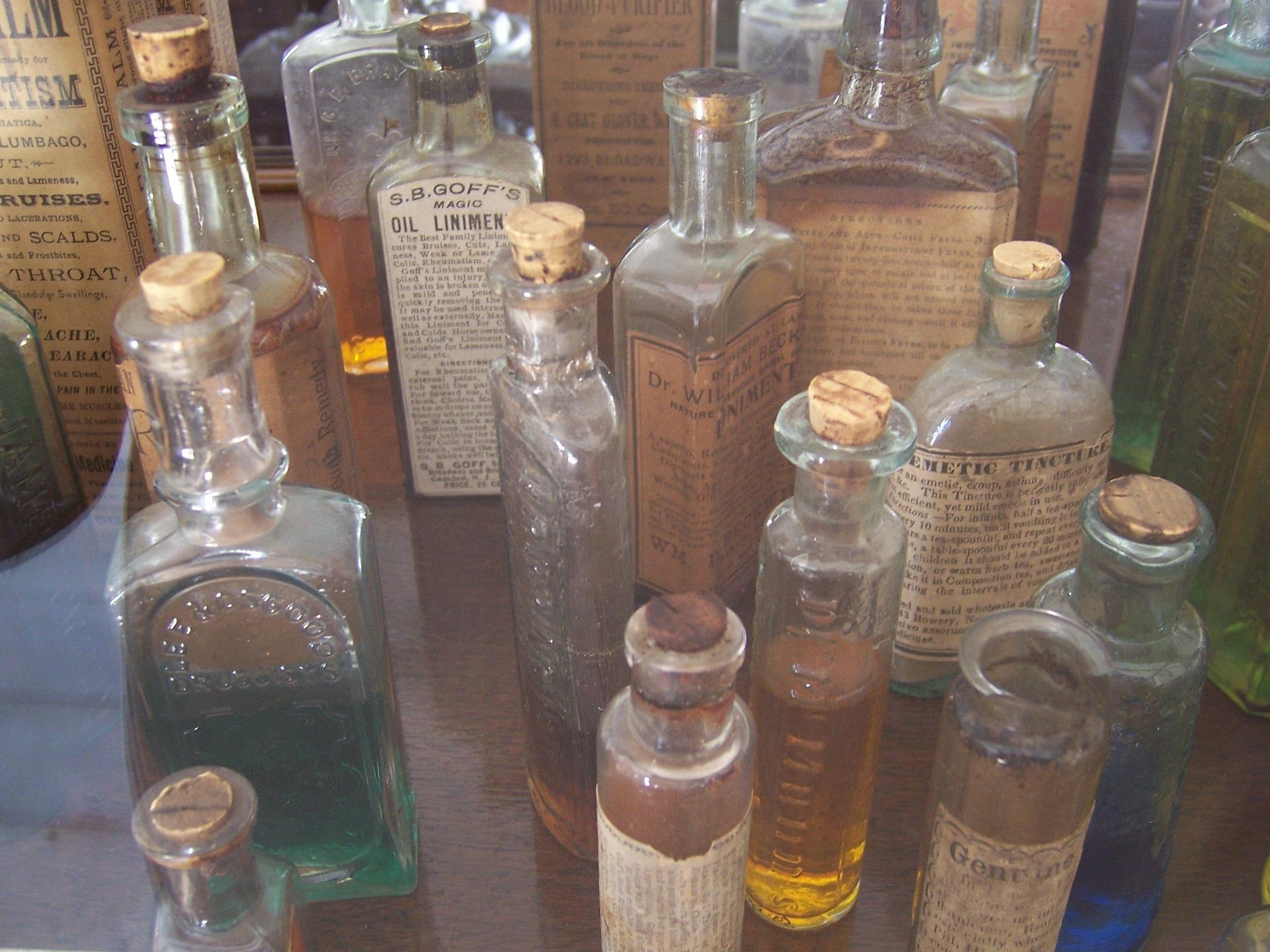 bottles-711883_1920